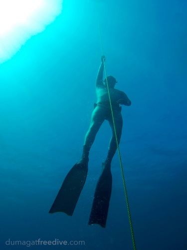 Cris on ascent during a short session where he managed to set a new personal best. ‪#‎Philippines‬ ‪#‎Freediving‬