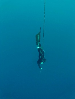 Alexis working on his technique during the training camp with Omniblue Freedive.