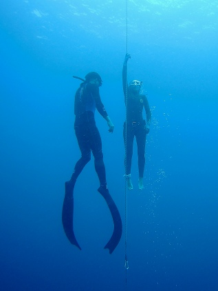 When it comes to freediving, SAFE is SEXY. Get your formal freediving course on.