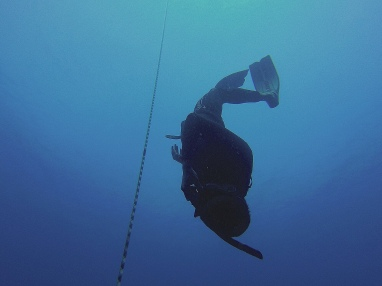 Slyly turning tech divers and scuba instructors into freedivers one unsuspecting individual at a time. This time it's Manu. 🤫